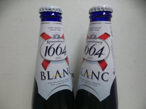 1664 Blanc 24x33cl 5%